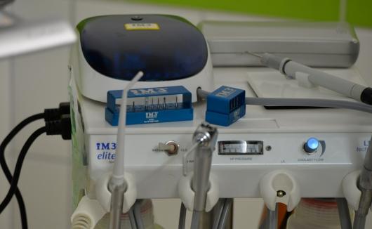 Unsere professionelle Zahnstation für Zahnoperationen bei Hund und Katze